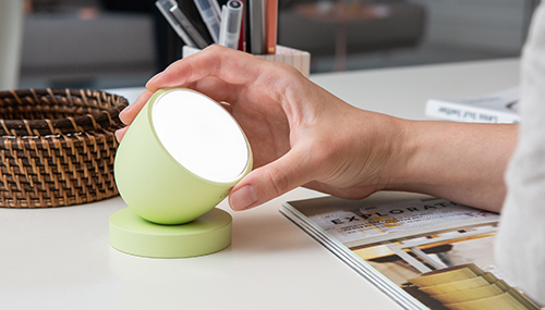 Luple's smart lighting device, Olly.